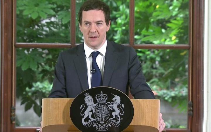 英国财政大臣首次发声 称不急于触发里斯本条