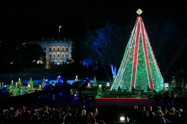 """圣诞夜遭美国人民狂批!特朗普对7岁小男孩说""""圣诞老人不是真的""""……"""
