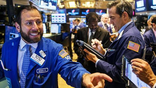 美股跌幅扩大 道指一度跌逾150点