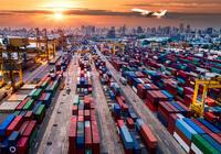 贸易战阴影笼罩 全球航运费率崩溃了