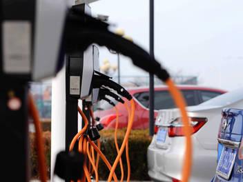 媒体:比亚迪将剥离电池制造业务 2020年前上市