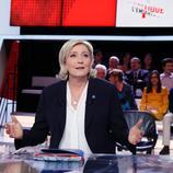 """法国大选再生变故:首席助理被起诉 勒庞也深陷""""空饷门"""""""