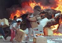 """阿根廷终于也开始""""绝命紧缩""""了 20年前的悲剧正在一幕幕重演"""