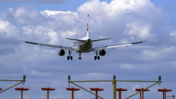 新冠疫情对航空业打击:超2000亿美元,相当于近9年行业收益