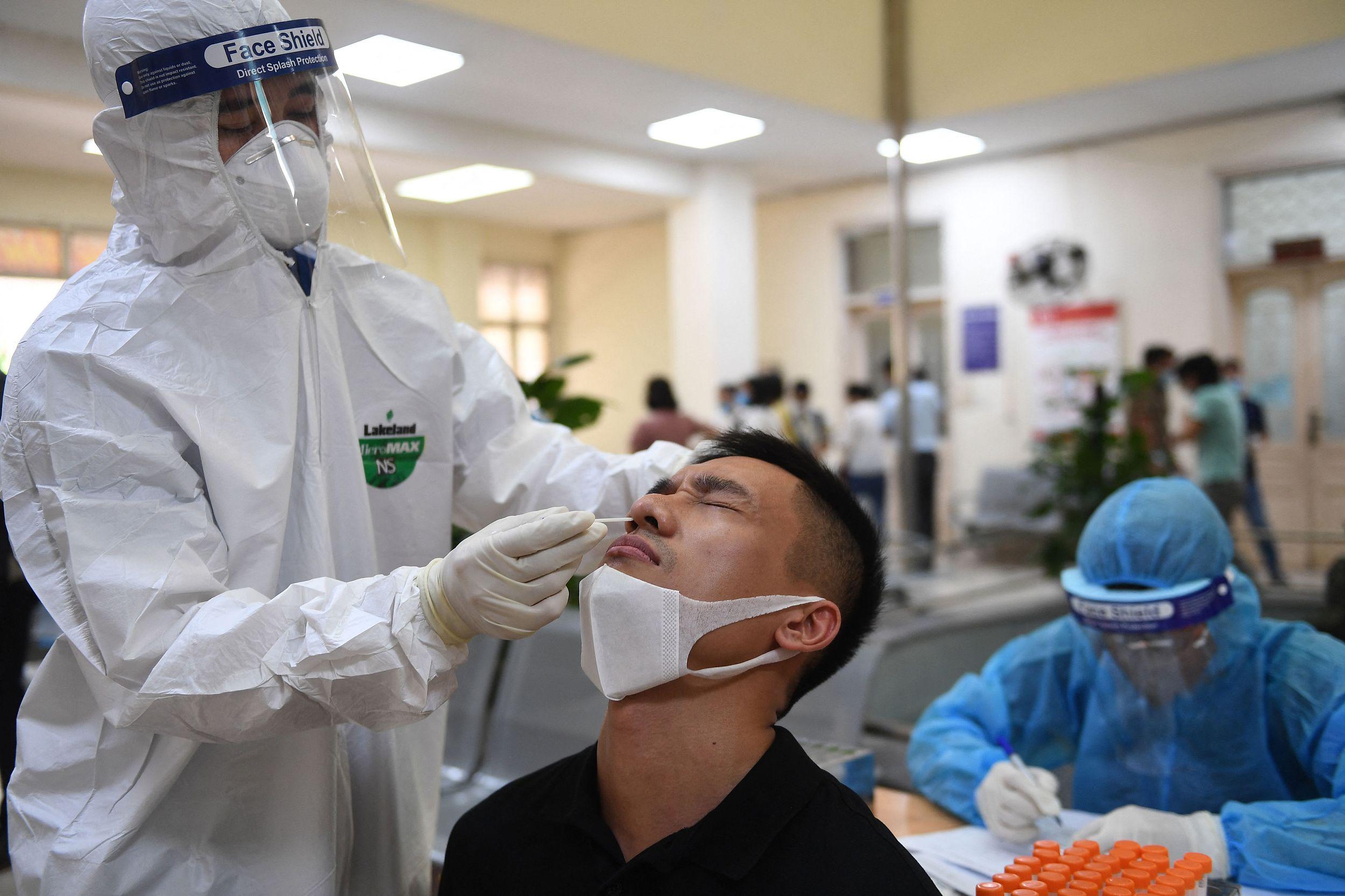 新冠|疫情告急!越南病例创下新高,多个工业园关闭,其中就有富士康