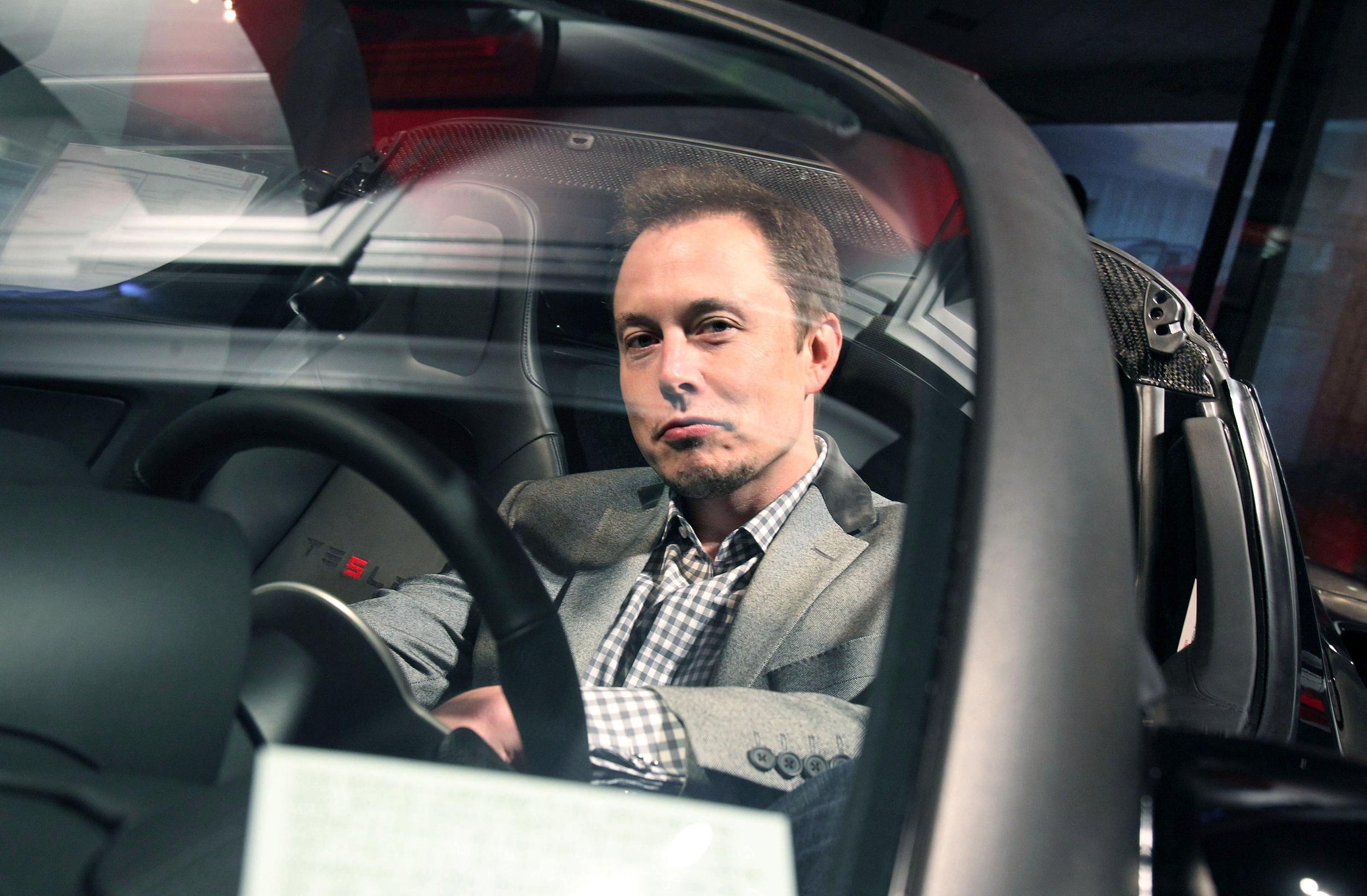 智能汽车|特斯拉全自动驾驶什么时候来?年底前或都无法实现!