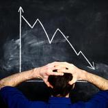 A股加入全球抛售潮:沪指跌逾3%创业板重挫5% 两市逾400股跌停
