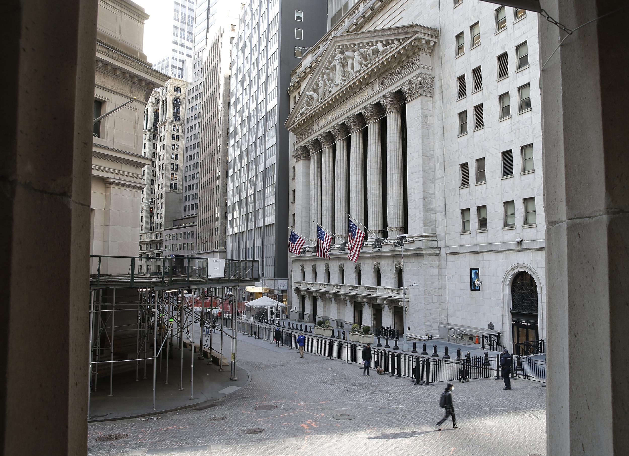 """美股 关键指标""""低无可低"""" 华尔街都紧张了:美股实在太贵了?"""
