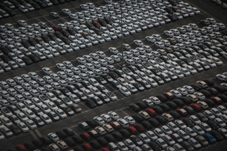 芯片短缺让汽车行业损失了多少钱?2100亿美元!