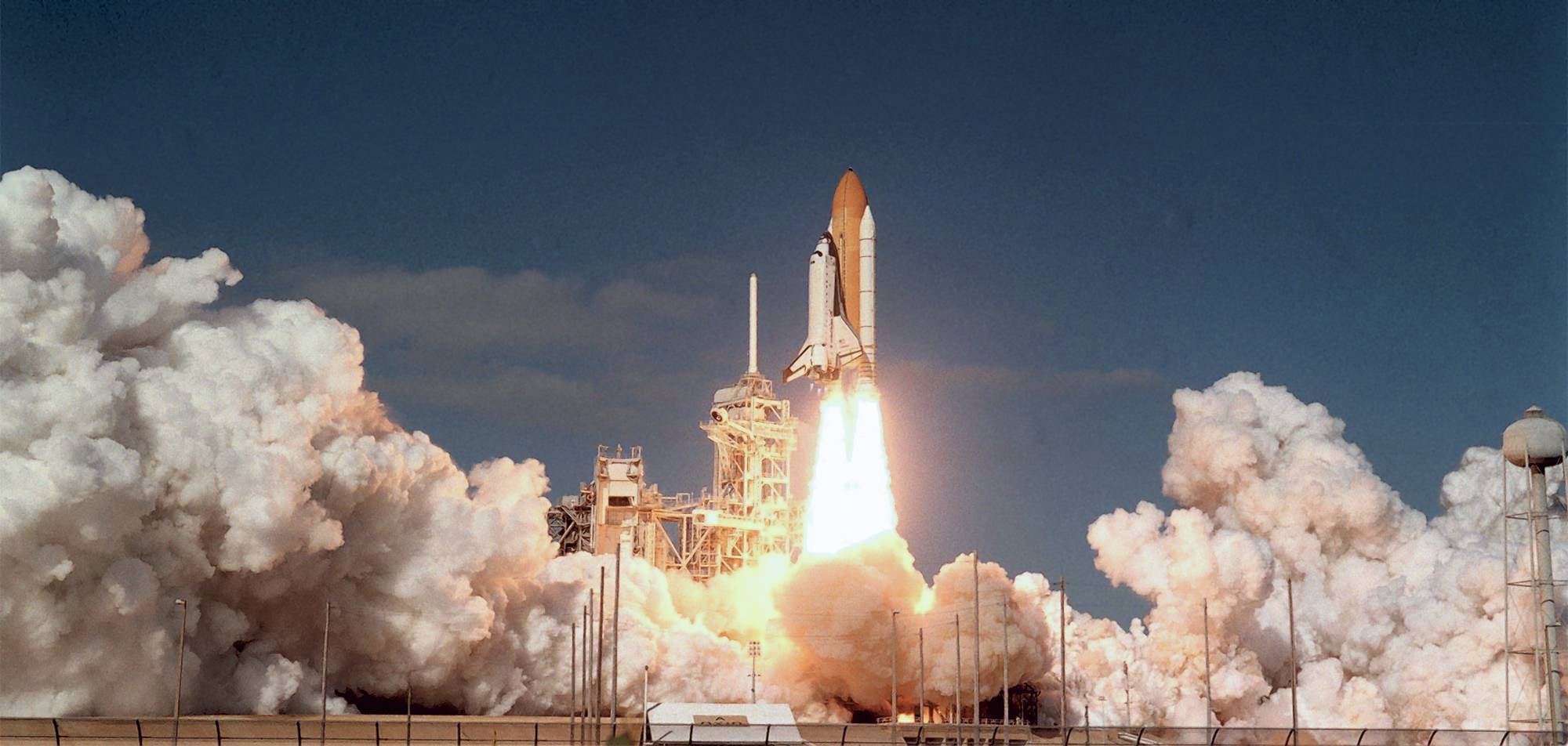 space shuttle disasters - HD2000×952