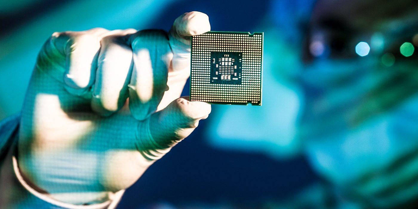 汽车芯片|缺芯潮下车企自救:大众拟自行开发芯片 福特本季产量减半 投1.8亿研制电池