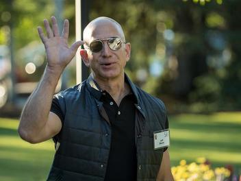 史上首次!亚马逊晋升全球最高市值公司 苹果屈居第四